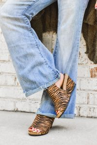 tiger wedge