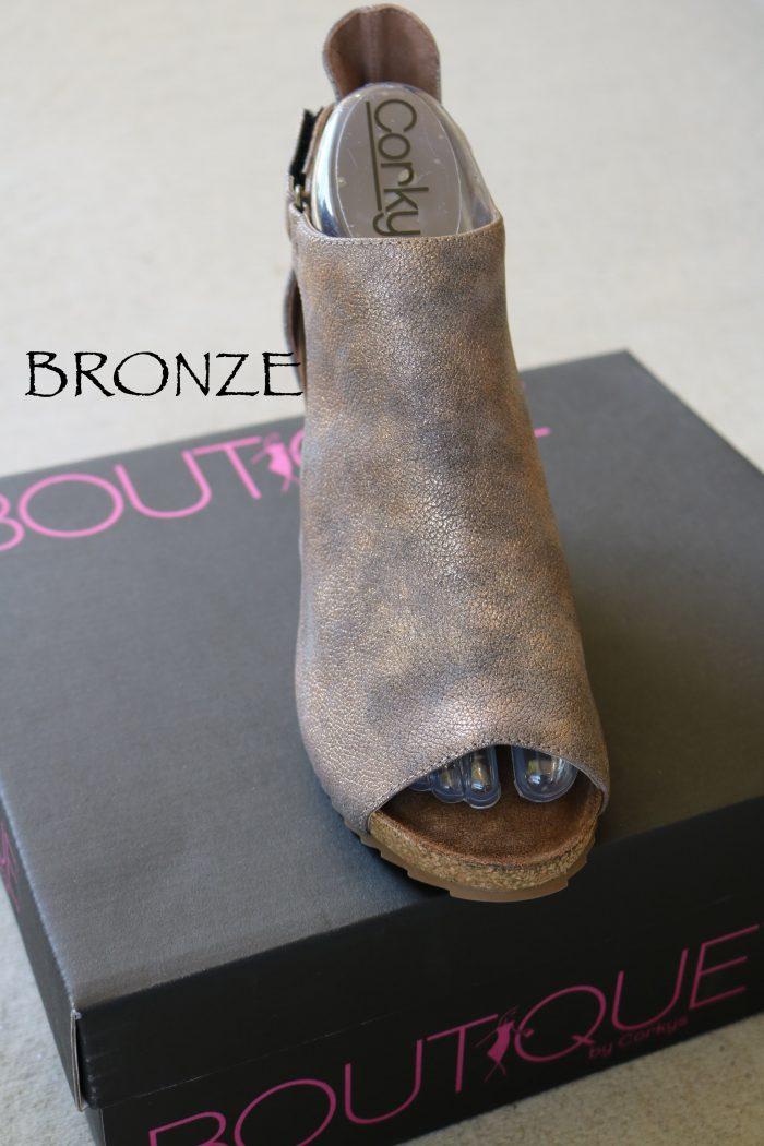 Corkys wedge Bronze shoe box
